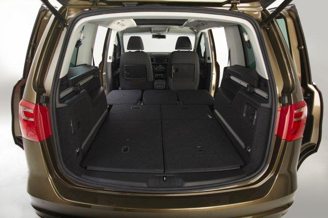 SEAT Alhambra начал официально продаваться в России